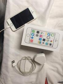 IPhone 5s white and gold 16gb on o2
