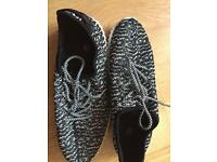 Shoes size UK8/42Eur