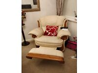 Leather sofa, 2 chairs. One a recliner. Great condition. Smoke free