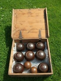 Vintage/Antique? Lignum Vitae 8 Bowls & 2 Jacks Set in Wooden Box