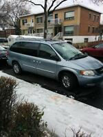 2003 Chrysler Town & Country Minivan, Van