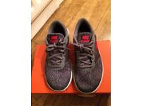 Nike flex contact trainers grey size 3.5