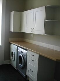 Spacious one bed flat in central Craigie. GCH,DG, available now.