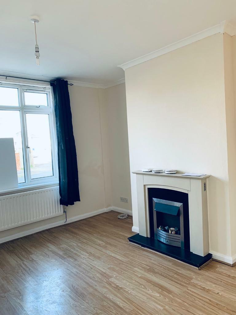 2 Bed House Raby Terrace Chilton In Wingate County Durham