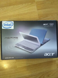 ASPIRE ONE D257 LAPTOP boxed with manual and power cable