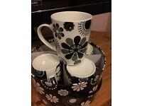 Mugs - Black & White - boxed - NEW