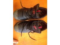 safty shoes 4 days used,very good condition no.41 black