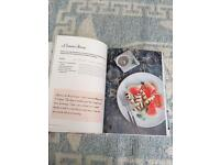 Brand new Nadia Sawalha Greedy Girls Diet Book (can post)