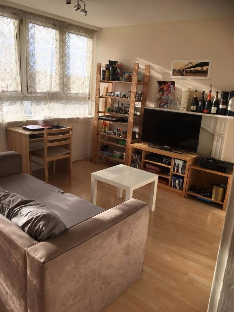NICE DOUBLE ROOM IN BATTERSEA