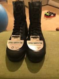 Magnum Black Safety Boots Size 10