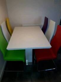 White Extendable Table + 6 Leather Chairs