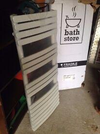 *FOR SALE* Rimini radiator 1100 - Bath Store