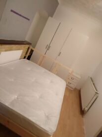 Clean double room near to transport for F only