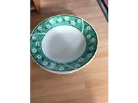 5 x GREEN AND WHITE DAISY BOWLS