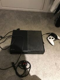 Xbox one 500gb with all leads good condition fifa 18 on download and more