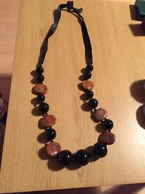 Long chunky necklace *new*
