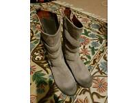 Clarks grey biker style size 7 suede boots