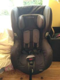 Maxi cosi axiss car seat