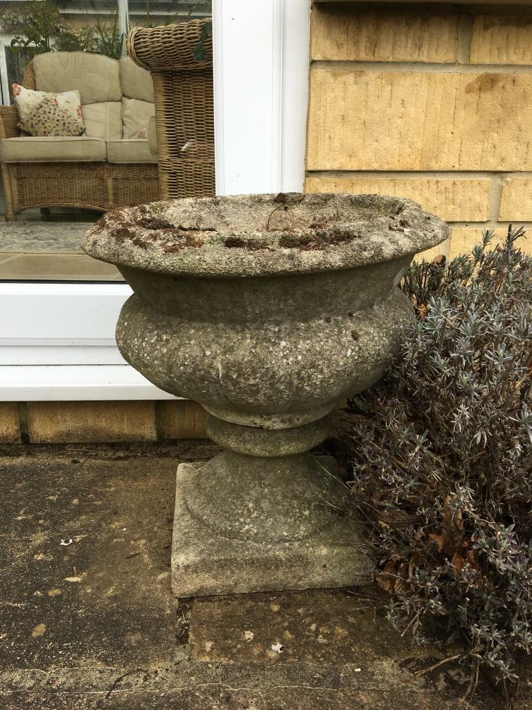 2 garden urns | in Stroud, Gloucestershire | Gumtree