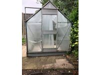 We want to sell our green house.