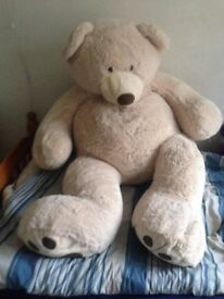 NEW GIANT soft teddy bear great gift