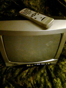 13'' Durabrand colour TV (2005)