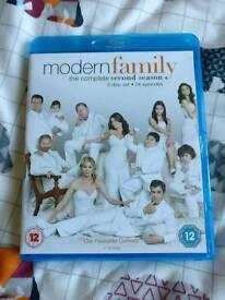 Modern Family Season 2 Blu ray