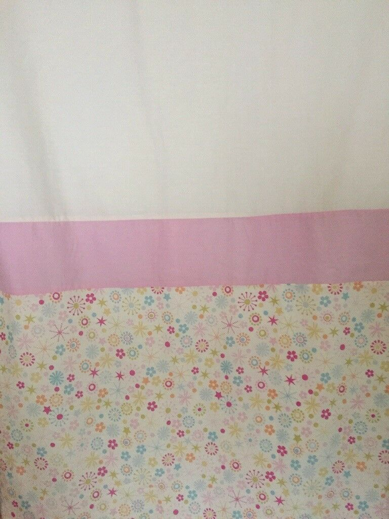 White&pink curtain