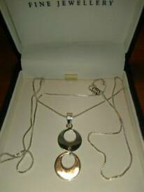 LADIES NEW SILVER, DOUBLE CIRCLE PENDANT WITH CHAIN
