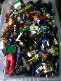 Large box Lego and other building bricks p