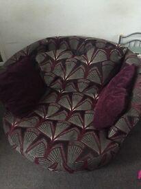 Cuddle / Swivel Chair