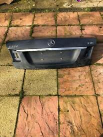 Mercedes e class w212 rear boot lid