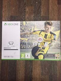 Xbox One S White, 500GB, with Fifa 17 and Forza Horizon 3