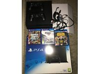 SONY PlayStation 4 Slim 500gb two controllers
