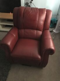 Fully reclining electric leather chair