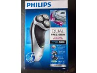 Philips Shaver 5000 with Dual Precision Shaving and Pop-up Trimmer PT860/17 - Brand New in Box!