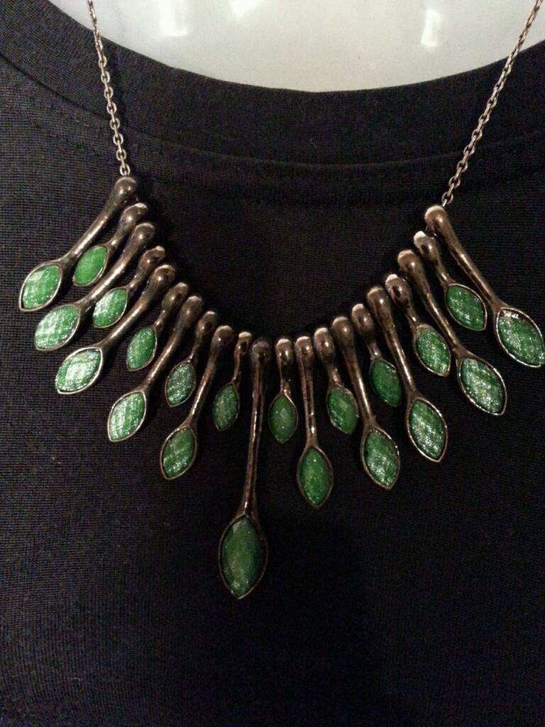 Pretty adventurine faceted necklace