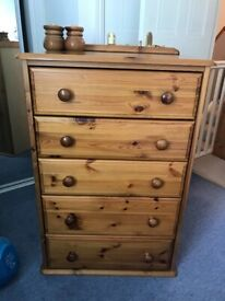 Solid Oak Chest of Drawers