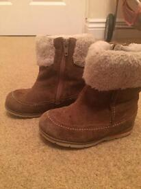 Girls Clarks 6.5F Boots