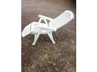 Garden chair and deck chair