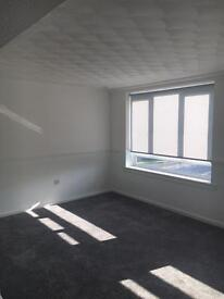 2 bed flat refurbished bishopbriggs 4 rent