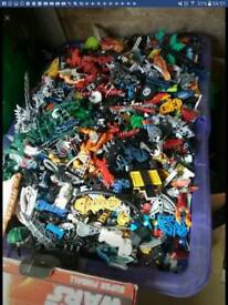 Massive amount of bionicles