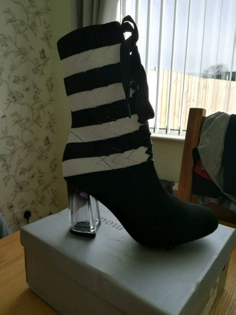 New Ladies size 6 black and white ankle boots