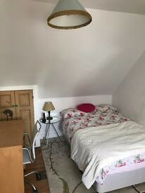 SB Lets are delighted to offer a wonderful large attic room in the centre of Brighton all bills inc