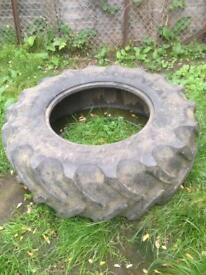 Weight lifting MMA strongman exercise tyre 480/70R28 Goodyear tractor