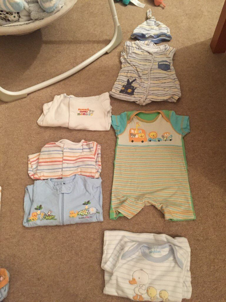 baby clothes bundle 0 3in Benfleet, EssexGumtree - Baby boy/unisex 0 3 months bundle 4 x babygrows. 1 with matching hat 1 x short sleeve and leg baby grow 1 x long sleeve sleepsuit Other baby clothes available in a variety of sizes