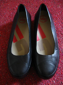 Women Fitflop Leather Black Shoes Size UK6