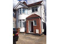 3 Bed 1st floor flat in Queensbury/Kenton Road