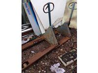 Pump up pallet truck x2
