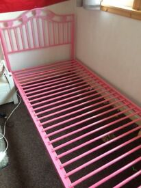 Lovely girls single metal frame bed pink with hearts